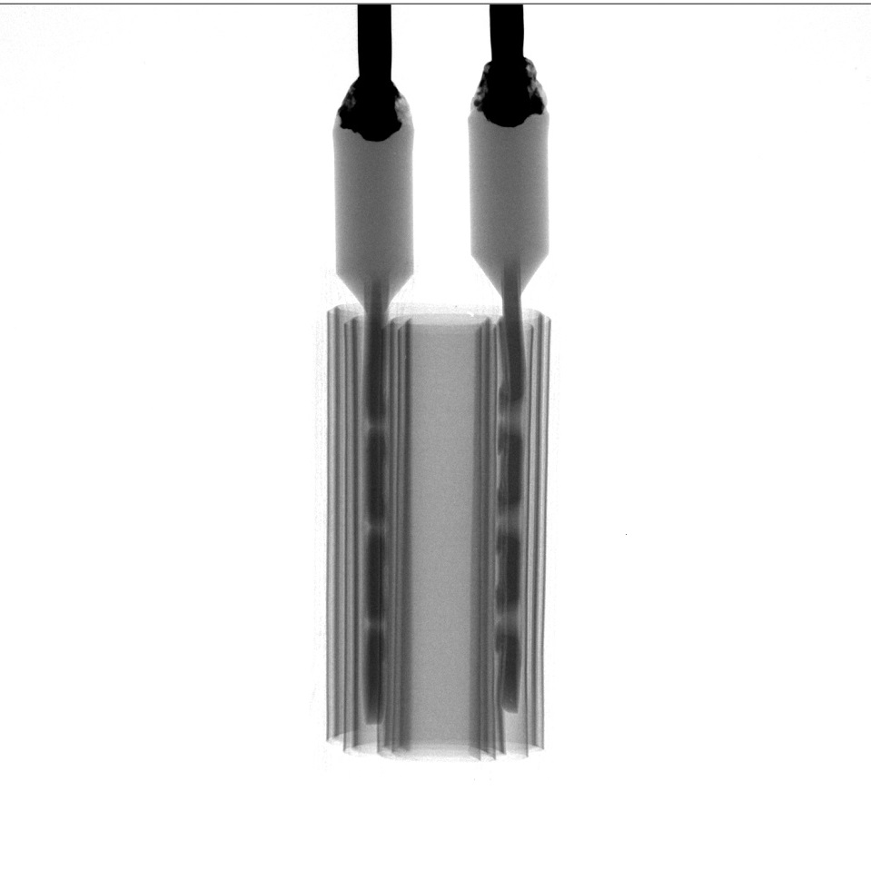 electrolytic capacitor needle height difference